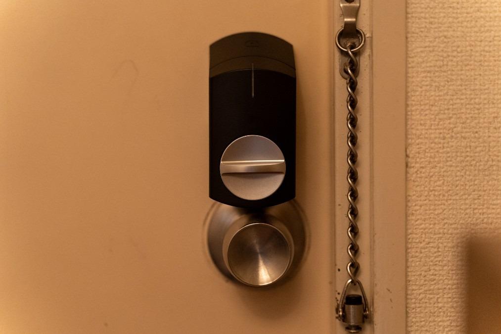 【SADIOT LOCK(サディオロック)口コミ】国産メーカーが手がけるスマートロックを実機レビュー